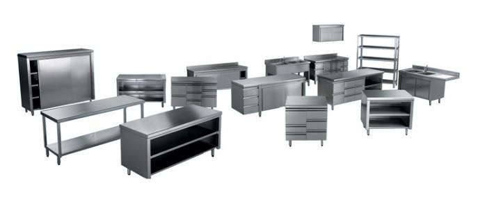 Attrezzature neutre e arredamenti in acciaio inox per laboratori di panificazione pasticceria pizzeria bar e ristoranti.